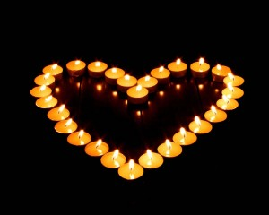 Phtot of 28 candles in a heart shape